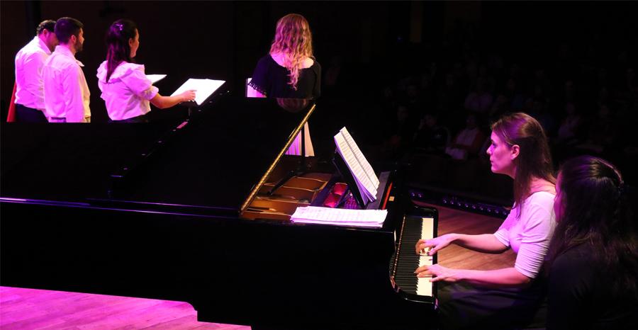 Grupo canto y piano